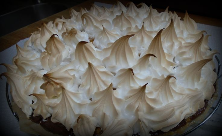 Kruisbessentaart met merengue