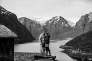 Kjaerestefotografering i Norge   Eurotrek i Norge  Sogn og Fjordane Fotograf Paul Edmundson