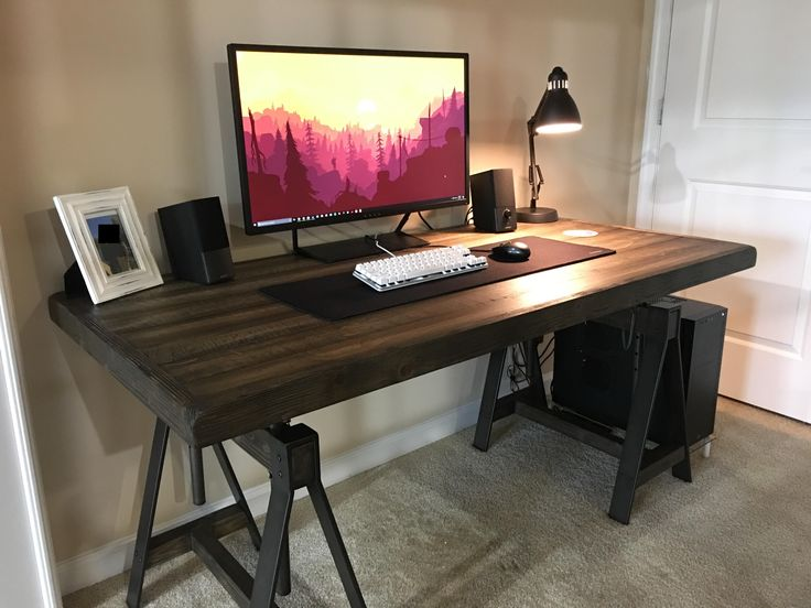 New apartment has a study. The battlestation finally gets its own room.