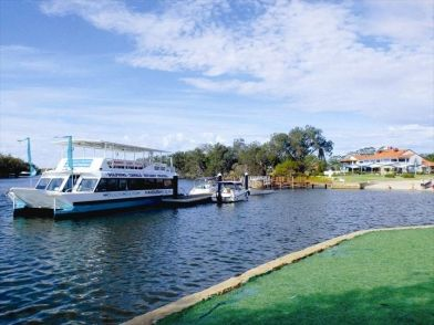 There's a cruise to suit everyone at Mandurah Cruises…