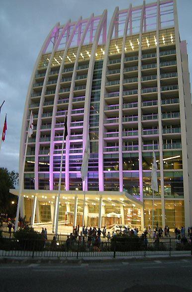 Vista nocturna, nuevo Hotel Casino  -  Valdivia