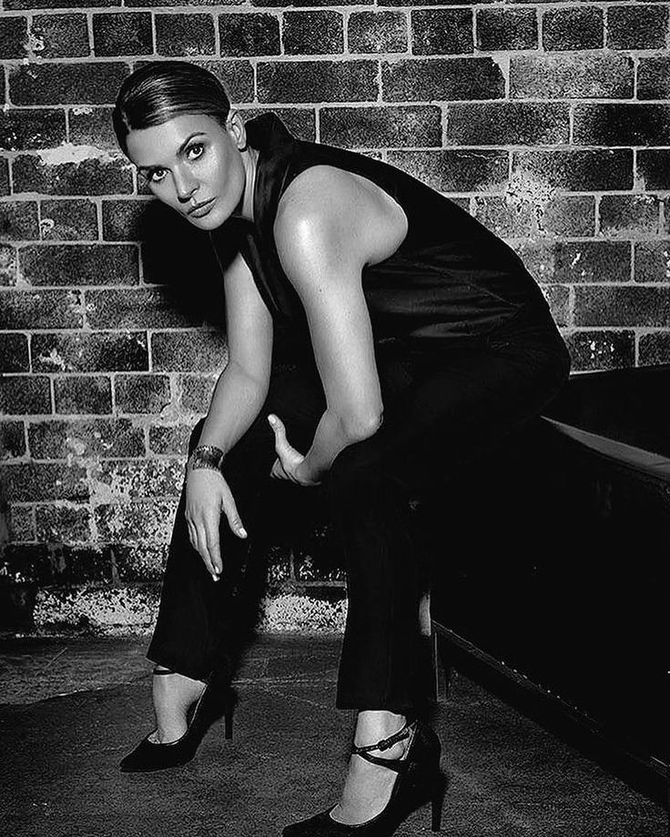 Danielle Cormack (Bea)