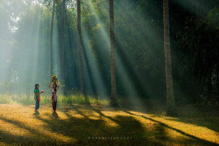 Morning Praying by Hendri Suhandi / 500px