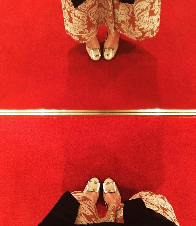Tappeti rossi romani #anteprima #Americani #salelemozione #stainiziando #stancamafelice #teatroEliseo #costumedesigner #davidmamet #glengarryglenross