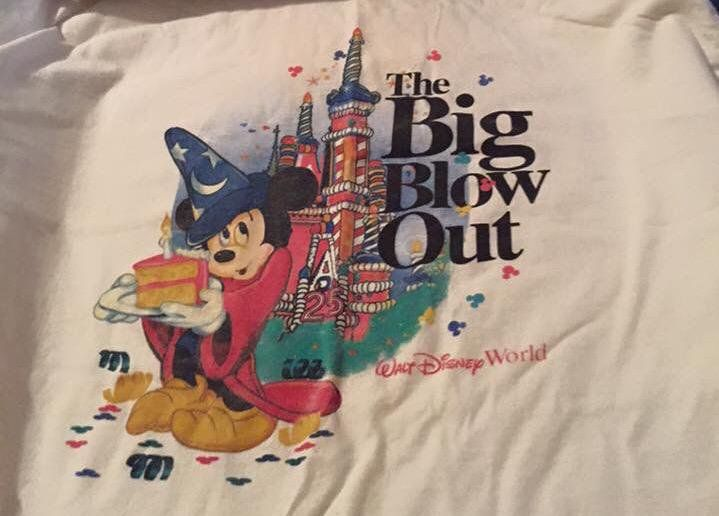 Find This Pin And More On Vintage Disney Merchandise By Ryanpimental