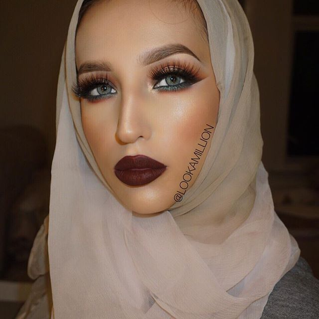 13 Middle Eastern Beauty Gurus We Can't Stop Watching LookAMillion If bright eye shadow looks and dramatic liner are your vice, this YouTube channel could be dangerous for you.  Check her out here!