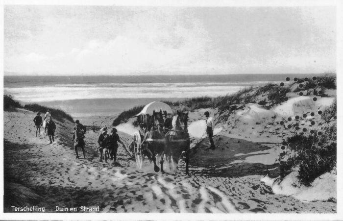 """""""Terschelling Duin en Strand"""", ansichtkaart zonder datum (AK255)."""