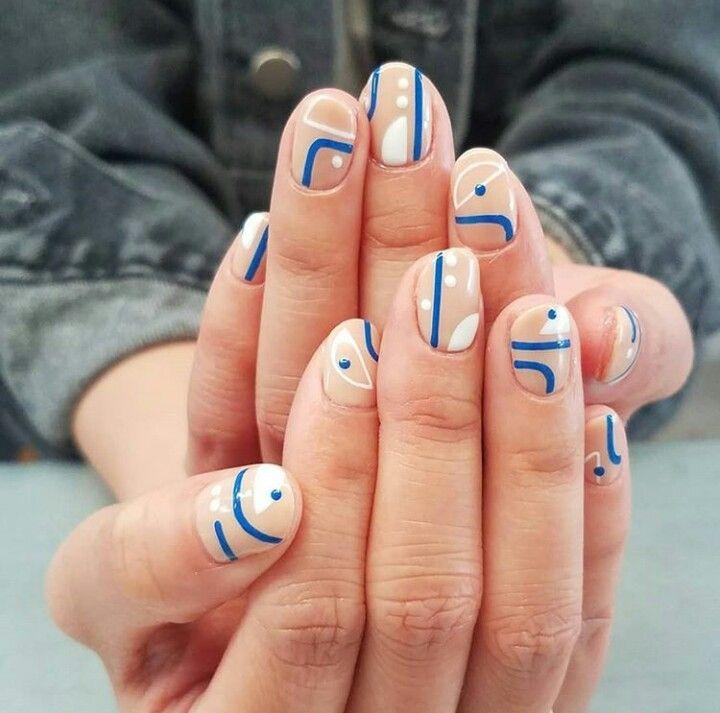 Abstract Nail Art Abstract Nail Art Nail Art Designs White Nails