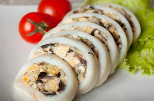 Squid stuffed with mushrooms