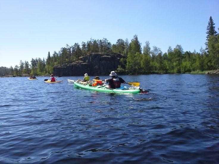 Retkimelontakohteena Saimaa on yksi suosikeistamme. Vuosittain palaamme sinne kurssien ja koulutusten merkeissä. Luonterin henkeäsalpaavan kauniit maisemat ovat Suomen kauneimpia.
