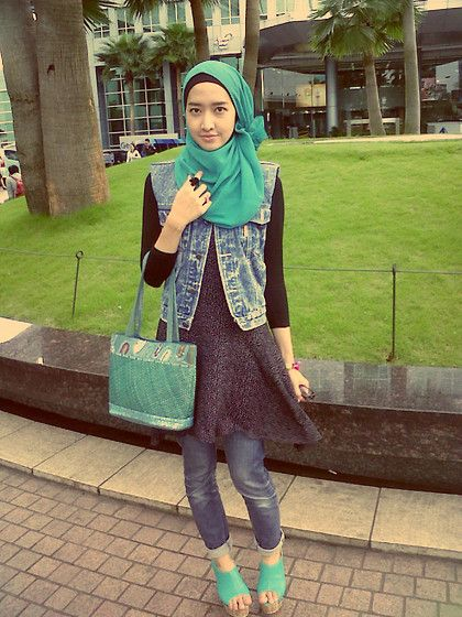 Denim Vest + Rollin up pants (by Marylies Hijab) http://lookbook.nu/look/3287561-Denim-Vest-Rollin-up-pants
