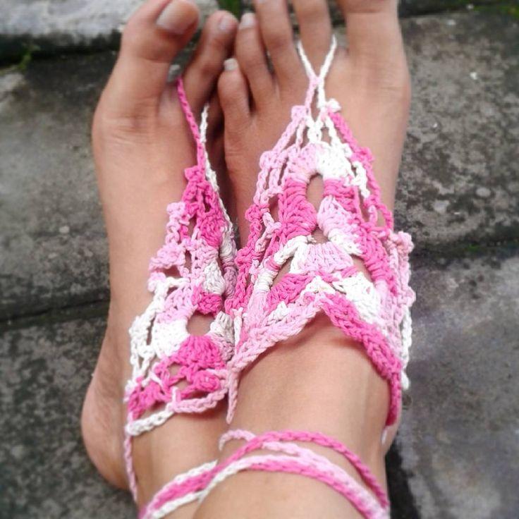 Apa sih #barefootsandal itu? Ini adalah sandal tanpa alas atau gelang kaki yang menghias kakimu saat jalan2 di pasir pantai. Yuk di order!  Barefootsandal5. 50rb. Made of cotton yarn.  #summer #beachwear #sun #crochetsandal #yarn #gelangkaki #bali #kuta #summerjewelry #feetjewelry