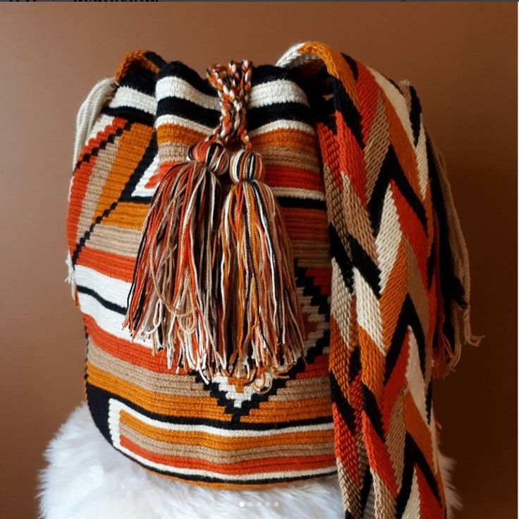 Wayuu Bag, A world of Colors. #wayuu #wayuubags #mochilawayuu #handmadebags #originaldesign #tropicalvibes #tropicalvibesyyc #yyc #yycbags #yycfashion #yycbeauty  #MyTropicalVibesFollowingADream