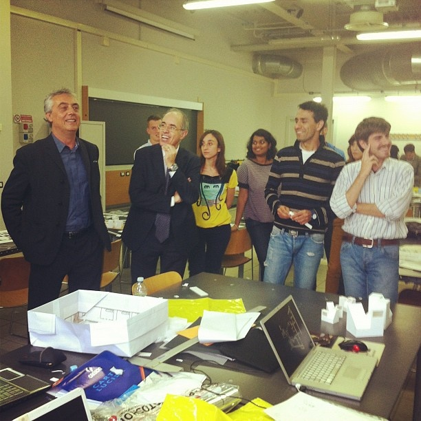Architect Stefano Boeri and Mr. Azzone with the students.
