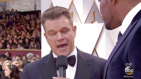 Matt Damon Talks Jimmy Kimmel on Oscars 2017 Red Carpet