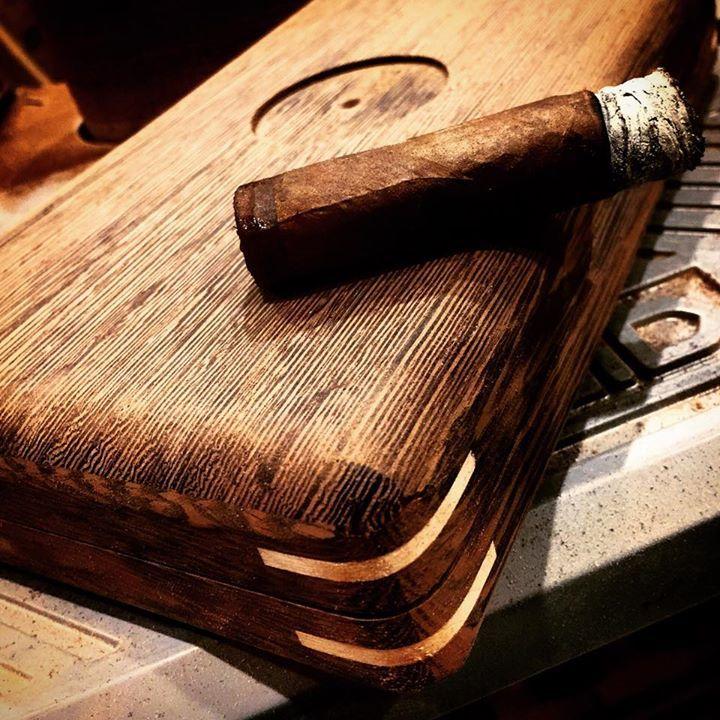 Gryphon Humidors Camelot 4ct travel cigar humidor
