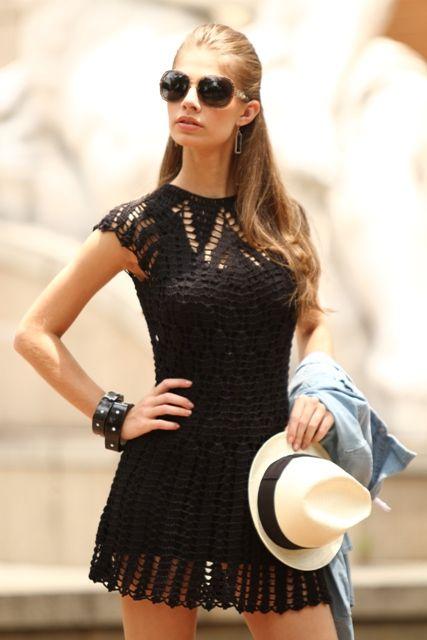 O que é este modelo? A receita você encontra na revista Crochê Moda, edição de Maio.....lindo!!