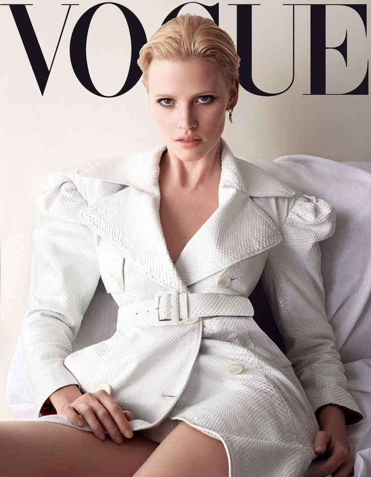 vogue-germany-november-2016-lara-stone-by-camilla-akrans-1-2