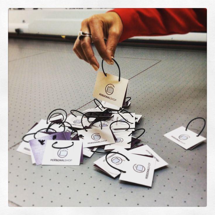 Vorrei un bigliettino semplice semplice ...  Fatto !!! #bigliettinidavisita #cartaperlata #unleashprint  #basilicata #handmade #igersitalia #igerspotenza  #puntoservice #chetelodicoafare
