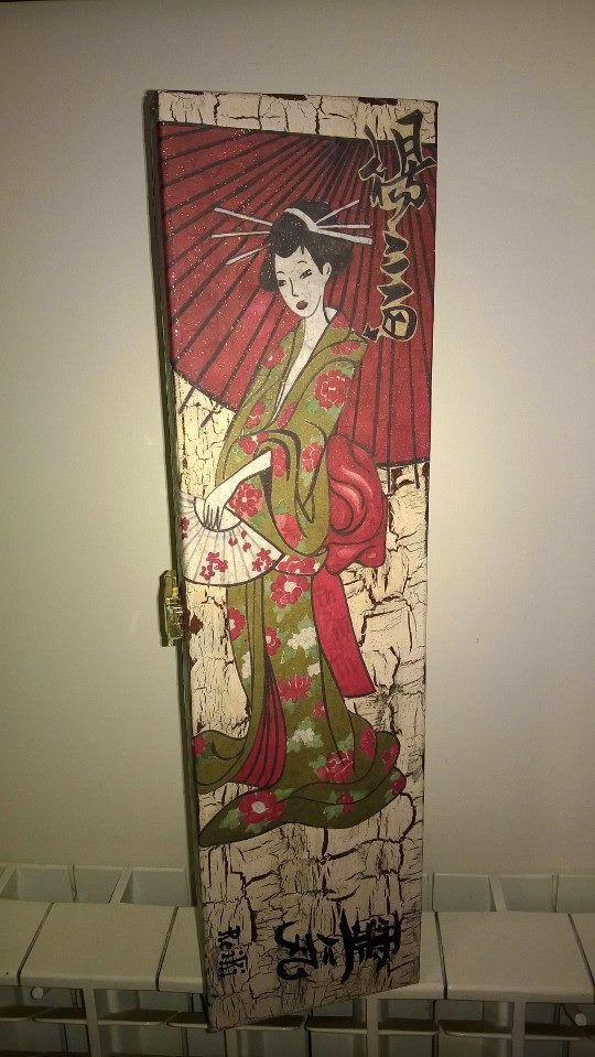 scatola decoupage a tema giapponese realizzata con materiali di riciclo per ordinazioni scrivere a : MAURO.DILIDDO43@GMAIL.COM