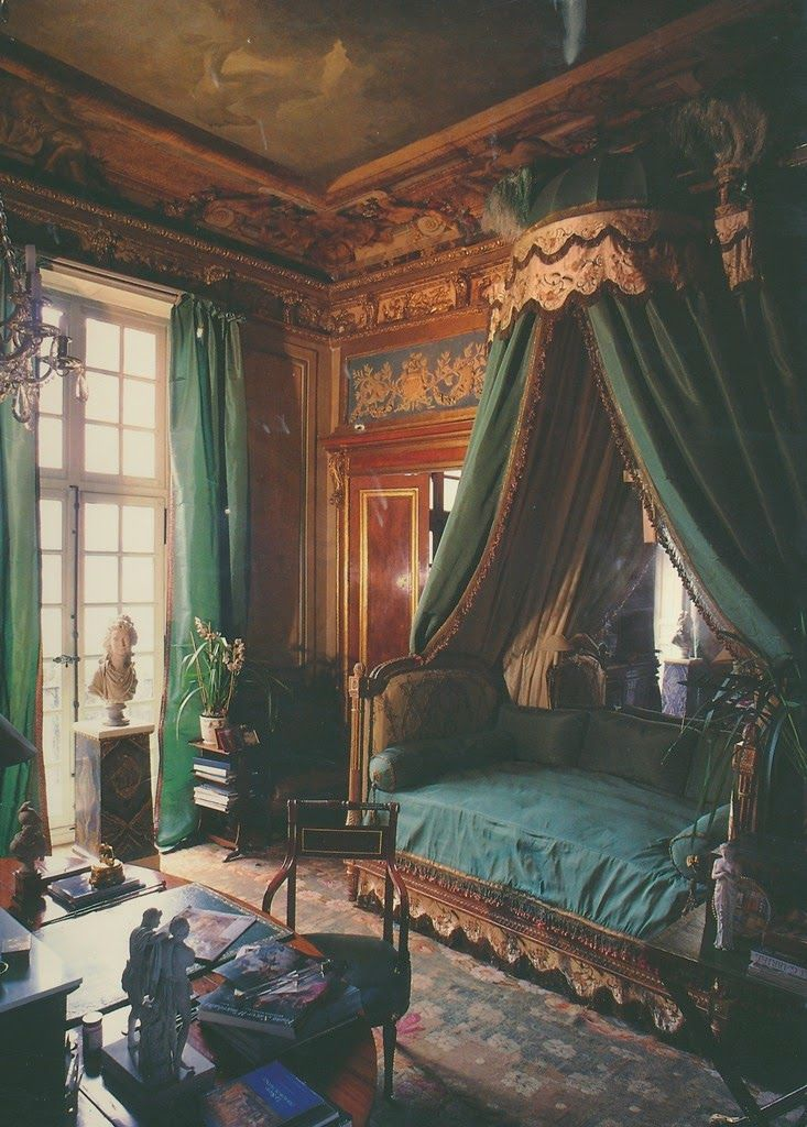 A bedroom in the Paris apartment of Jacques Garcia.