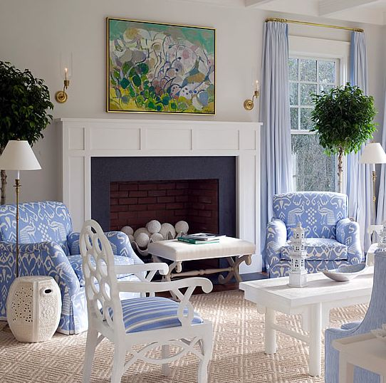 Blue And White Living Room In East Hampton