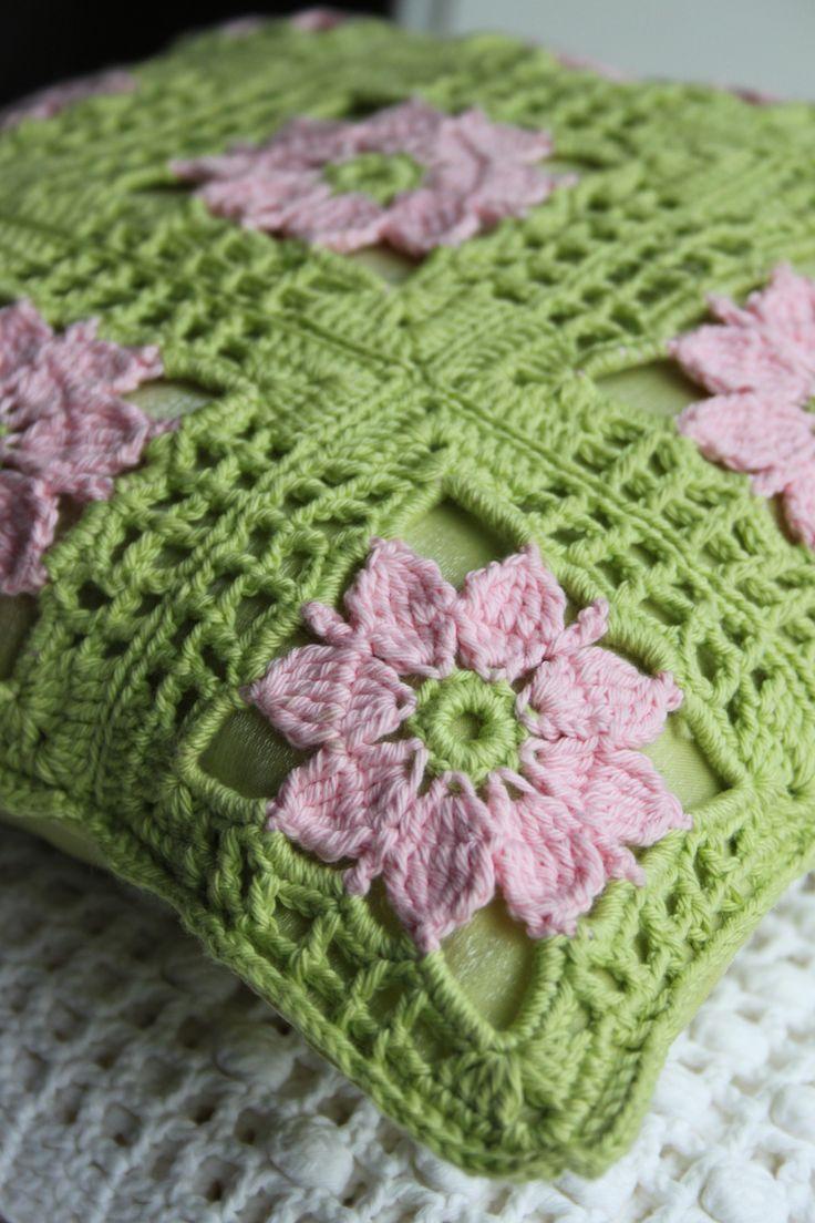 Lente kussen - granny square - uit inhaken op de lente