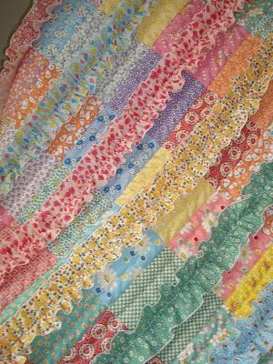 sew ruffles on after it's quilted: Crafts Ideas, Ruffles Sewn, Beautiful Quilts, Sewing Ruffles, Baby Quilts, Ruffles Quilts, 30S Fabrics, Small Quilts, Pretty Quilts