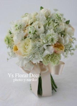 ふんわりしたお花のクラッチブーケ 黄色を挿し色に  @横浜ガーデン ys floral deco