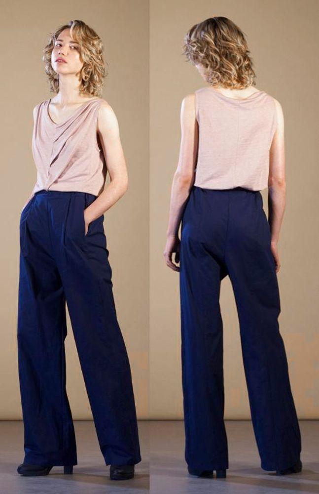Besonderes Label, besondere Hose: Die Marlene-Hose Case pant von Format aus Berlin hat einen extrem coolen Schnitt und einen ganz speziellen Look.