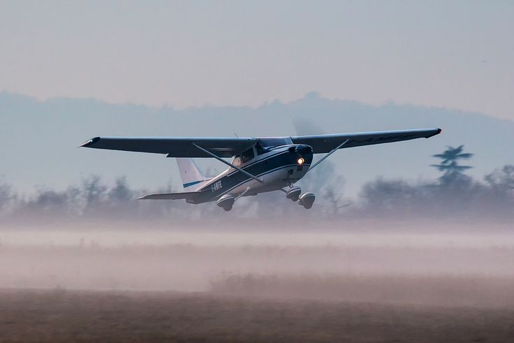 Reims/Cessna F172L Skyhawk (c/n 0902) I-AMFE climbing at Verona Boscomantico Airport in a foggy early morning