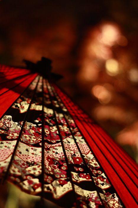 glorious red umbrella ... <3 www.24kzone.com