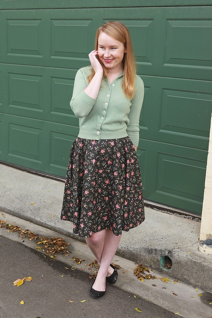 Day 13 Me Made May - Self-drafted Floral Circle Skirt {via Jennifer Lauren Vintage}