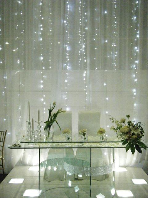 mesa de honor novios con luces