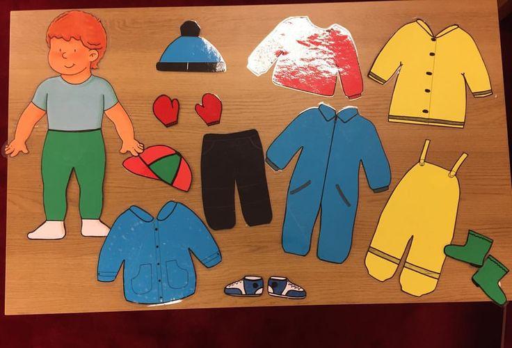 Här är vår klippdocka som vi gemensamt med barnen klär på på samlingen innan vi går ut. Detta tillsammans med påklädningsschema (se inlägg nedan) gör barnen förberedda på vad de förväntas ha på sig och gör övergångarna smidigare #förskola #lpfö98 #kognitivtstöd #kognitivahjälpmedel #bildstöd #tydlighetochstruktur #delaktighet #tillgänglighet