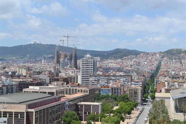 MELON DISTRICT MARINADe vier gebouwen hebben er elk eentje, maar het hoogste met zijn dertien verdiepingen, biedt ook nog eens een schitterend uitzicht op de stad. Terwijl Melon District Marina zich centraal positioneert tussen Sagrada Familia en strand, bevindt het tweede adres van deze keten, Poble Sec, zich wat zuidelijker in de stad, gelegen tussen Plaza Espana en Las Ramblas. Sancho de Avila 22,