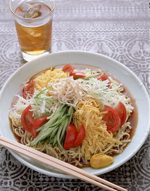 冷やし中華。Cold noodle.