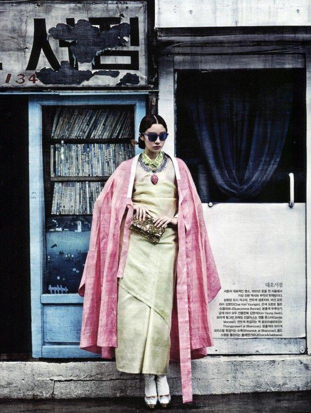 vogue korea 2013 august 10 620x823 Vogue Coréia Agosto 2013 | Stefani Lee e Lee Seung Mi por Ogh Sang Sun [Editorial]