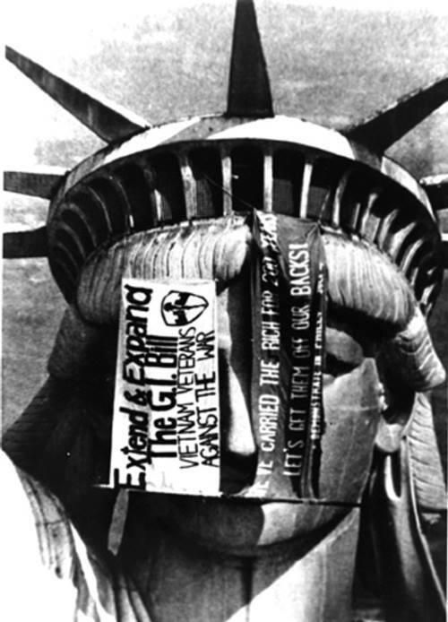 Viet Nam veterans protest at the Statue of Liberty. 1971-75.