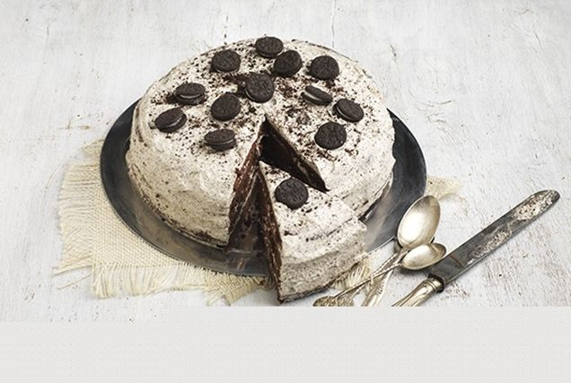 Τούρτα γενεθλίων με σοκολάτα και μπισκότα από την Αργυρώ Μπαρμπαρίγου