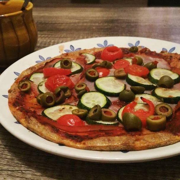Tonhalas pizza (EBÉD, VACSORA) - NAGYON JÓ