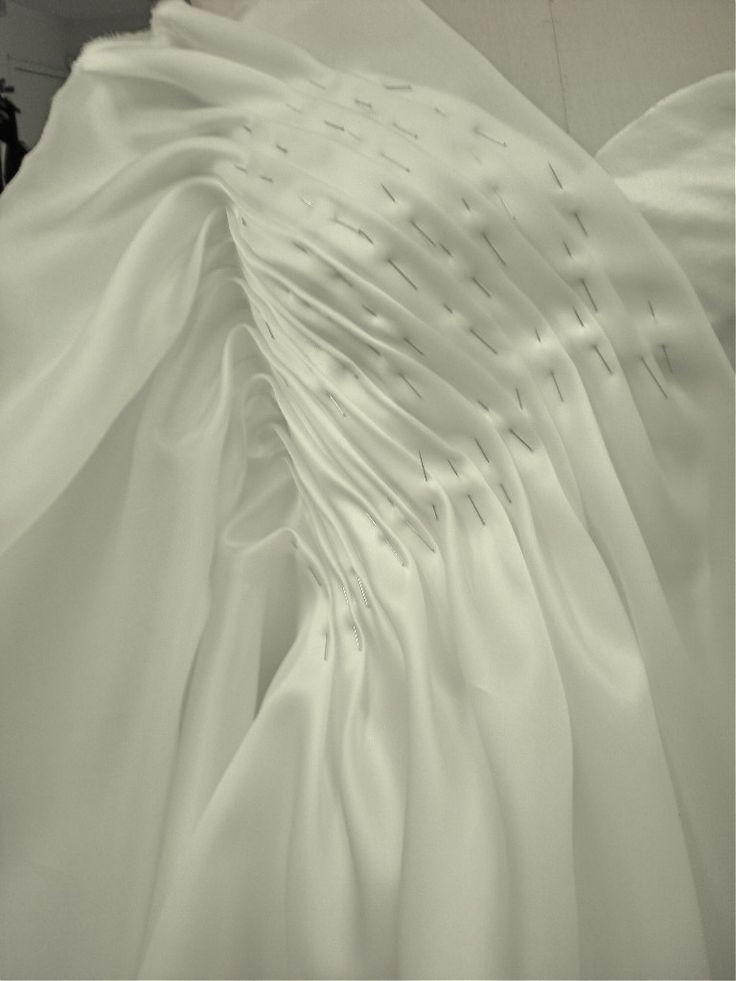 Carol hannah blog how to make a wedding dress brides for Carol hannah wedding dresses