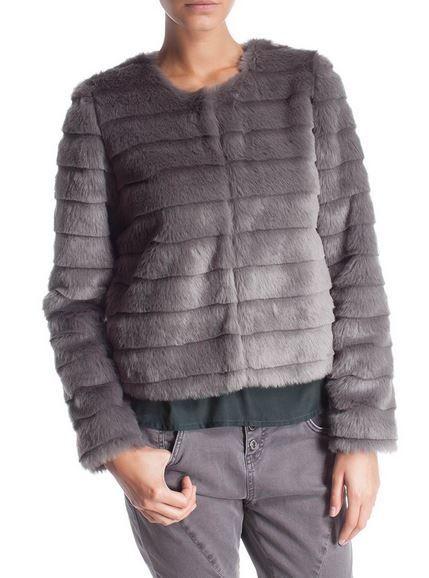 Pellicce ecologiche 2015: il Capo Spalla Must Have glamour e eco friendly pellicce ecologiche 2015 Motivi