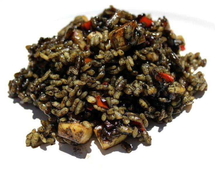 #RECETAS_en_ESPAÑOL / Arroz negro con sepia y Alioli - El Aderezo - Blog de Recetas de Cocina http://eladerezo.hola.com/recetario/arroz-negro-con-sepia-y-alioli.html