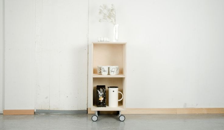 The module Trillemann is the only module on wheels in the Villmann furniture system. Here we used it as a coffee station, but you can also use it as a bar cabinet that will follow you into every room. #woodwork #furnituredesign #moduel #barcabinet #Fimbuldesign By FimbulDesign