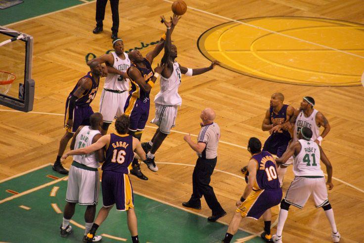 'Kobe Bryant' Left LA Lakers Game To Visit 'Lamar Odom' - http://www.morningnewsusa.com/kobe-bryant-left-la-lakers-game-to-visit-lamar-odom-2339804.html
