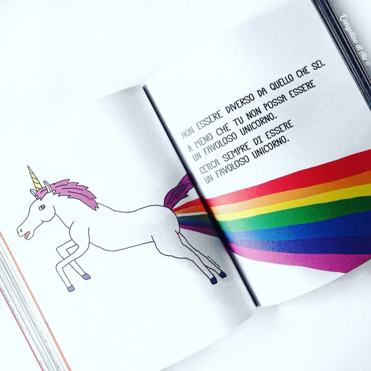 Questo libro ti ama di PewDiePie #libro #sperling #PewDiePie #youtuber #book #unicorn #rainbow