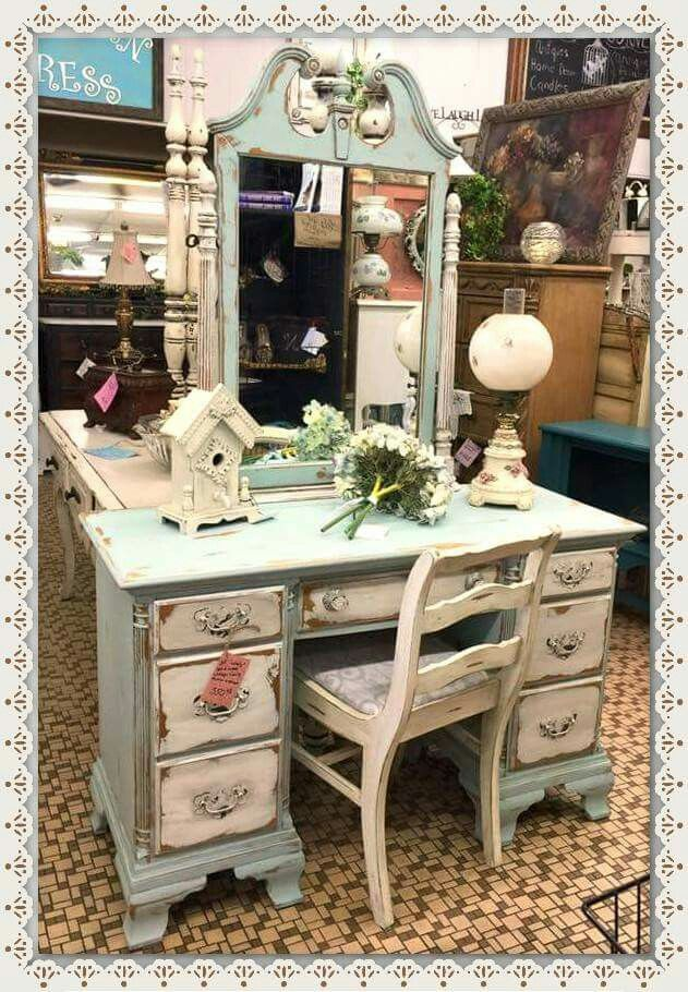 Diane from West Monroe Louisiana mixed Dixie Belle Sea Glass & Mint Julep on this dresser & set it off using Fluff and Grunge on the drawers. Dixie Belle paint is chalk based paint that is located at over 550 small businesses across the USA...BEST PRICED - BEST QUALITY chalk based paint.....you just got to try it to believe it.