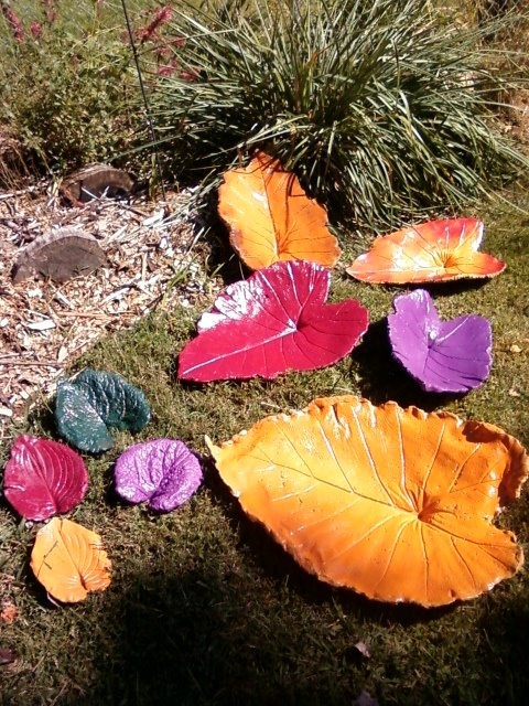 Beautiful bird baths made from leaves by friend PamConcrete Inspiration, Bird Baths, Art, Outdoor, Gardens, Backyards Ideas, Birds Bath, Beautiful Birds, Crafts Diy