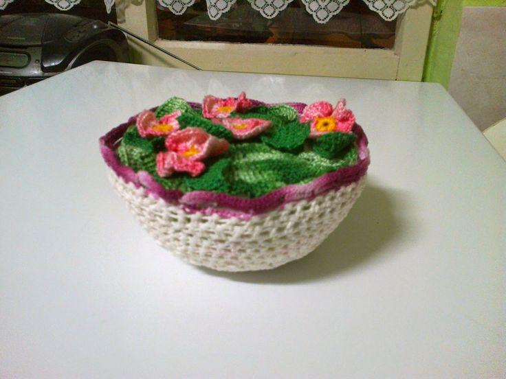 Horgolt virágtál